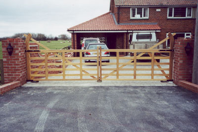 5 Bar Gates Sandalwood Gates And Timber Products For The